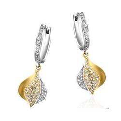 Chow Tai Fook逸寻--18k750黄白两色镶钻石耳环